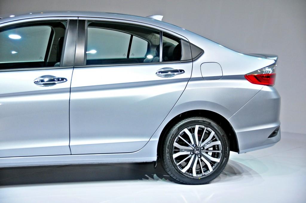 Honda-City-V-2017-12-1024x680